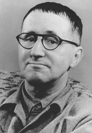 Bundesarchiv_Bild_183-W0409-300 _Bertolt_Brecht